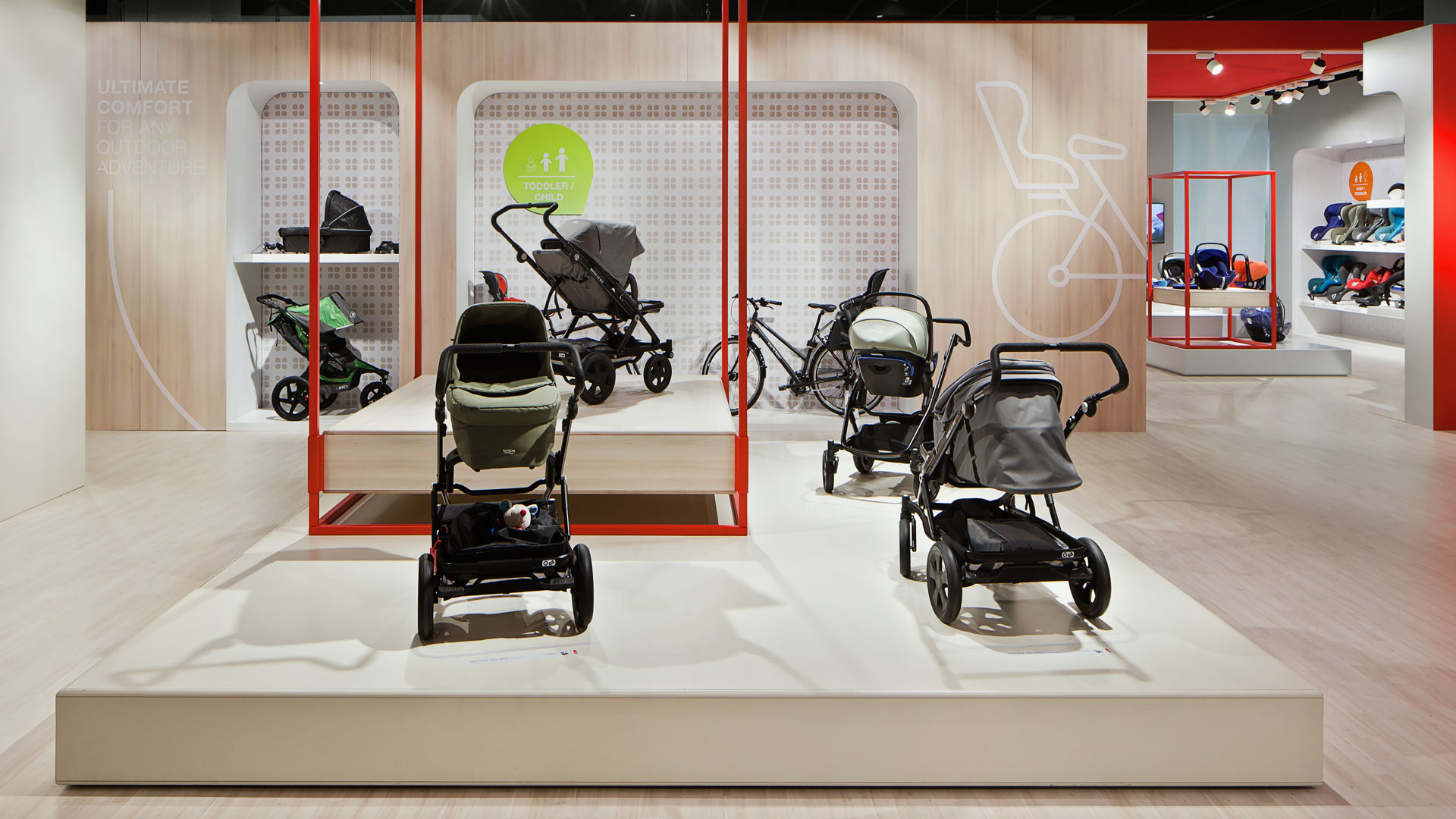Dart stages the Britax fair stand at the Kind+Jugend 2016