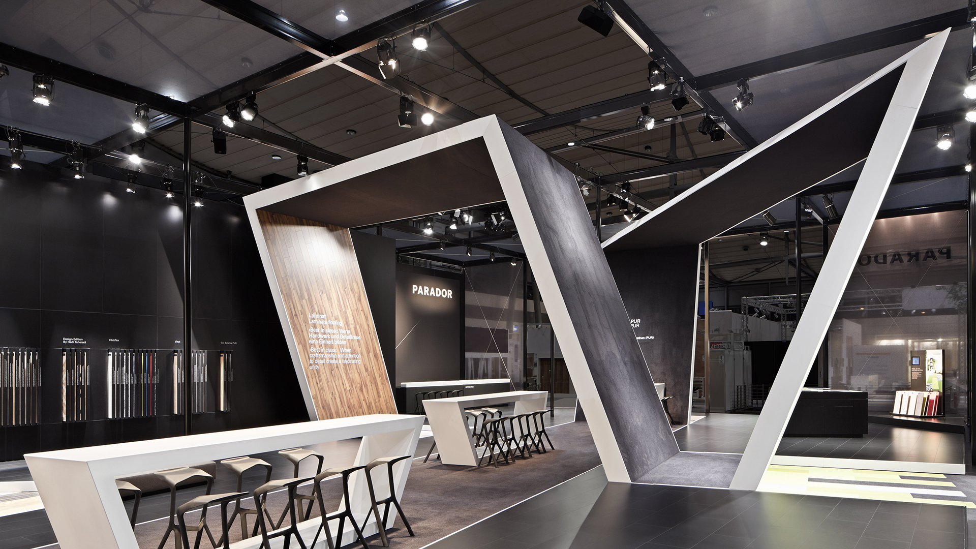 Dart stages the Parador fair stand at the Domotex 2014