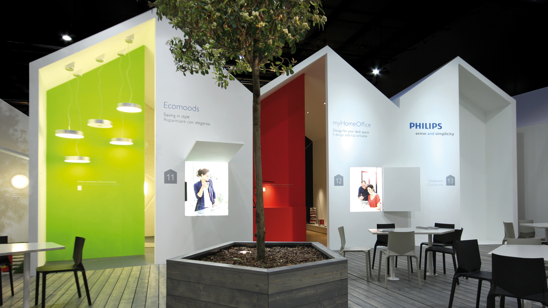 Dart stages the Philips fair stand at the Euroluce 2011