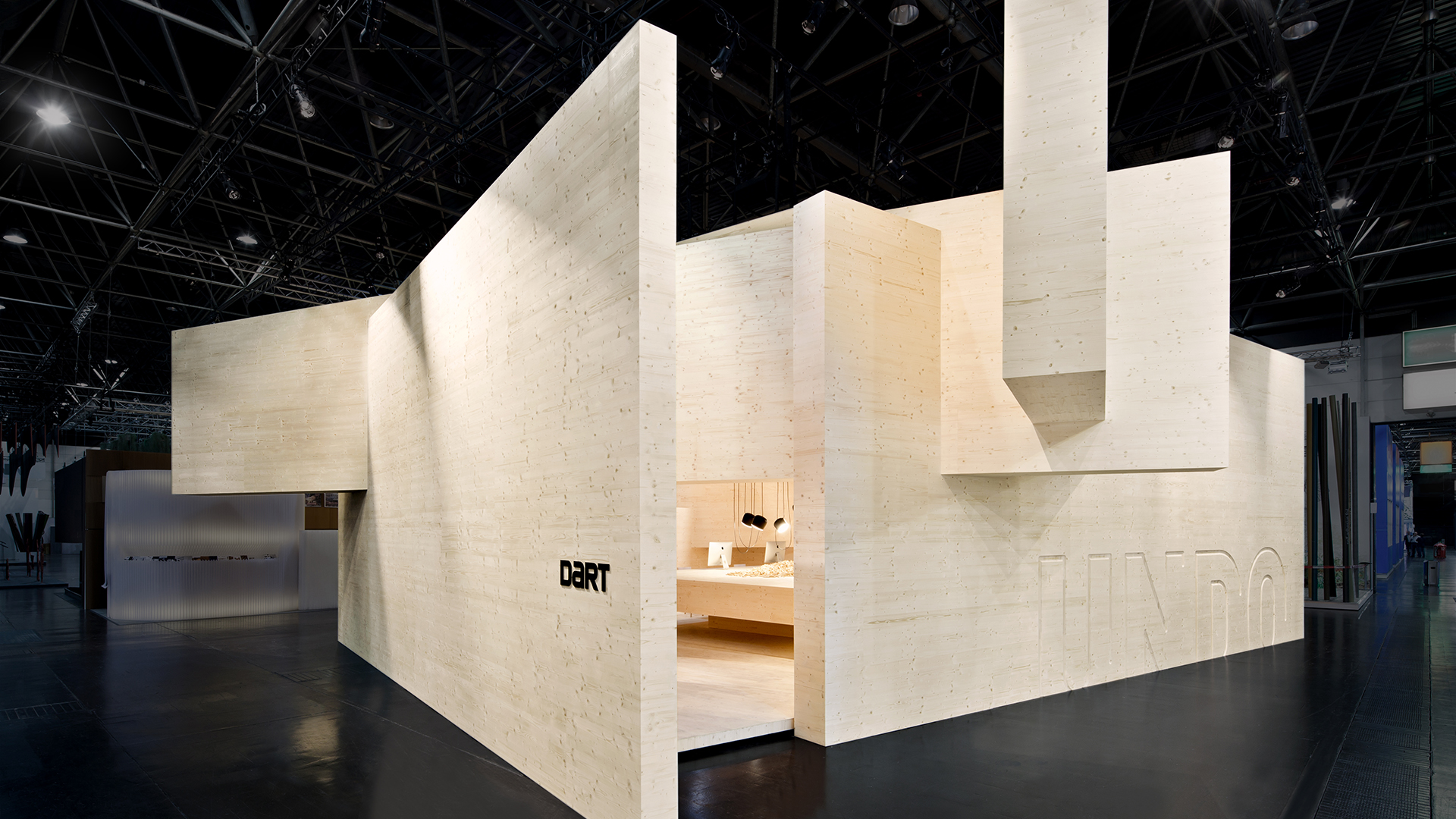 Dart stages the D'art Design Gruppe's own fair stand at the EuroShop 2014