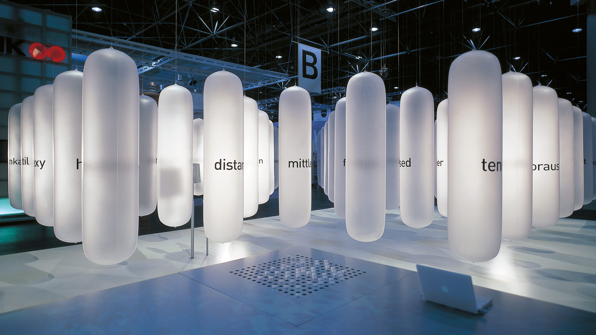 Dart stages the D'art Design Gruppe's own fair stand at the EuroShop 2002