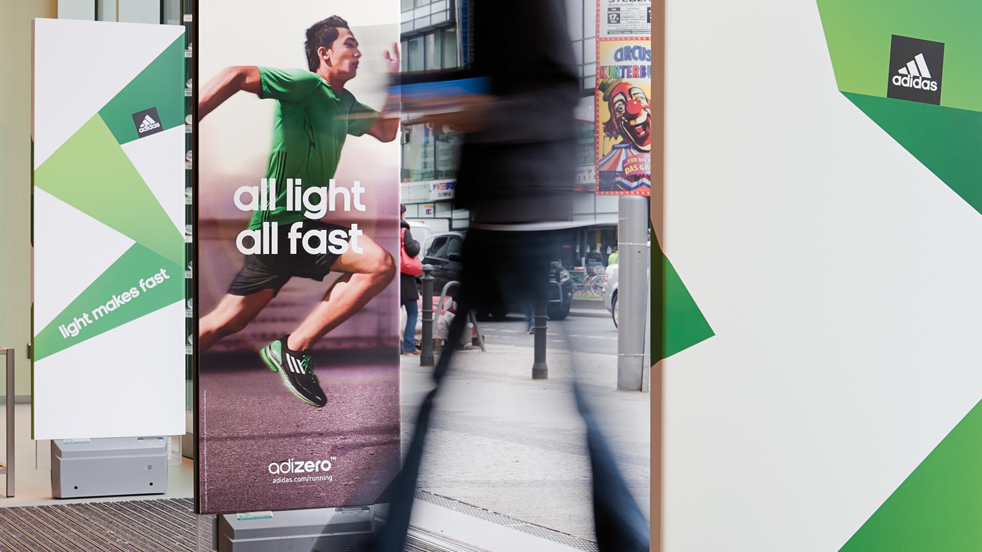 """Fortführung der räumlichen Markenkommunikation der Brand-Initiative """"adidas is all in"""" am Point of Sale (POS) in Deutschland, Österreich und der Schweiz 2010"""